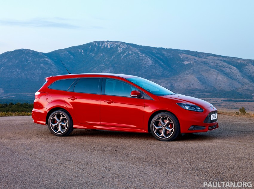 Ford Focus ST debuts, in five-door and estate forms Image #131041