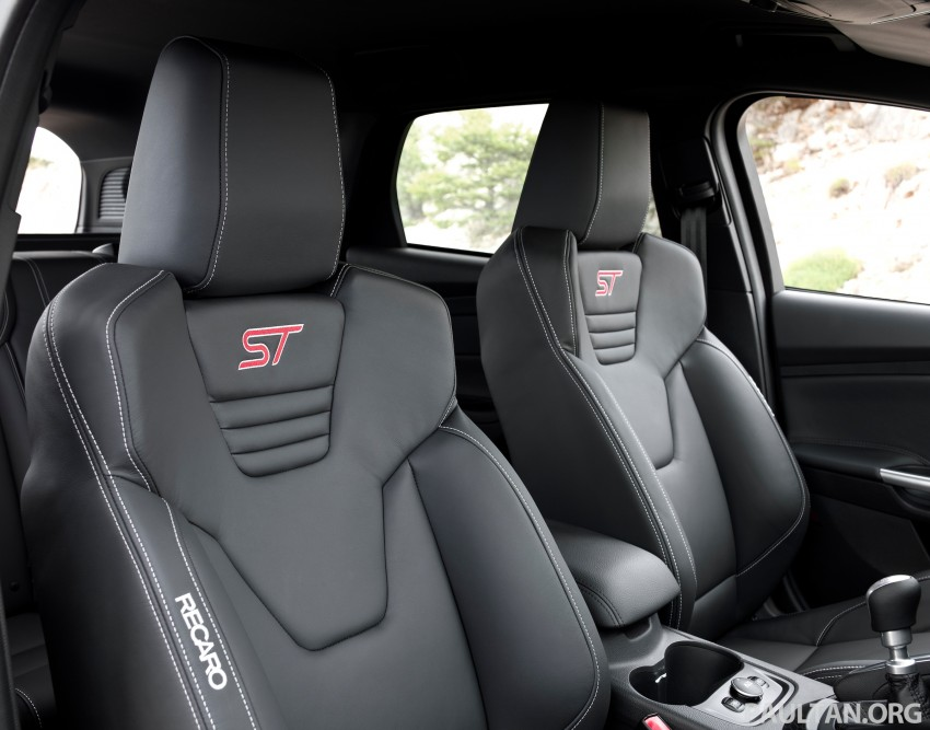 Ford Focus ST debuts, in five-door and estate forms Image #131038