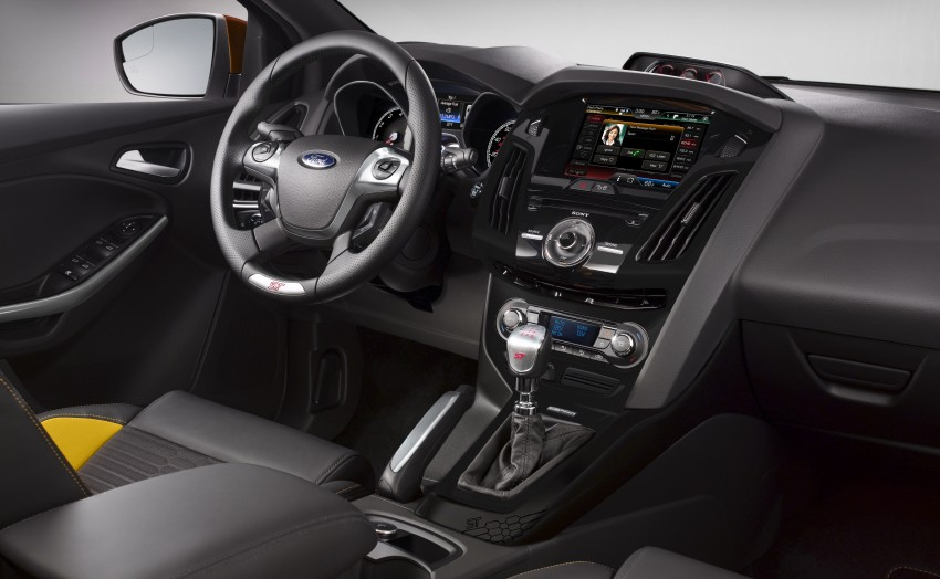 Ford Focus ST – the GTI challenger arrives, RM209k Image #130331