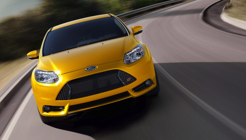 Ford Focus ST – the GTI challenger arrives, RM209k Image #130352
