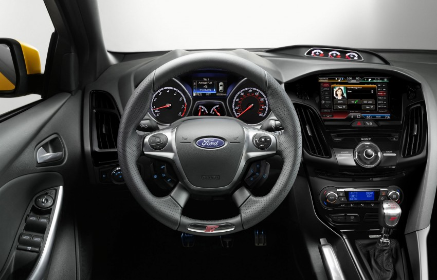 Ford Focus ST – the GTI challenger arrives, RM209k Image #130341