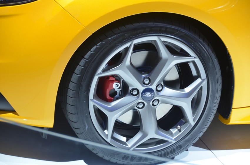Frankfurt: Ford reveals the 2012 Focus ST and ST-R Image #69401