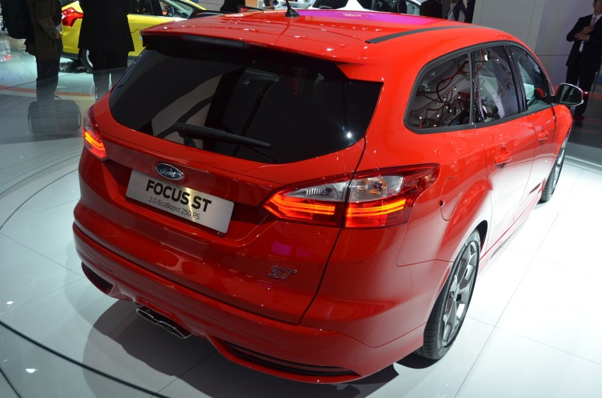 Frankfurt: Ford reveals the 2012 Focus ST and ST-R Image #69413