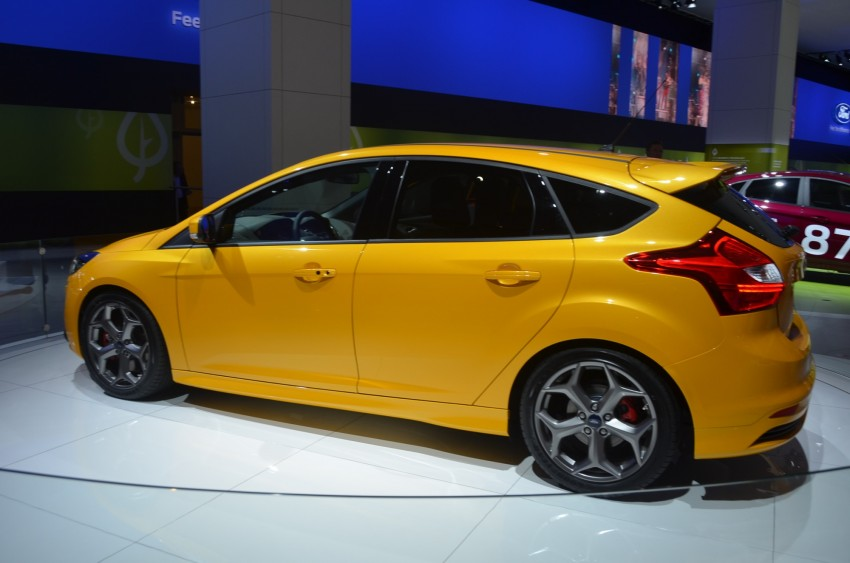 Frankfurt: Ford reveals the 2012 Focus ST and ST-R Image #69389