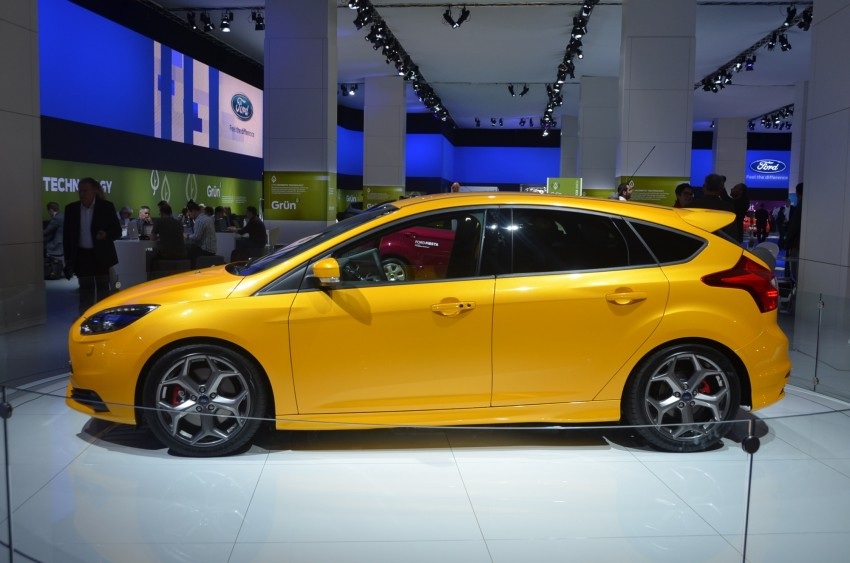 Frankfurt: Ford reveals the 2012 Focus ST and ST-R Image #69390