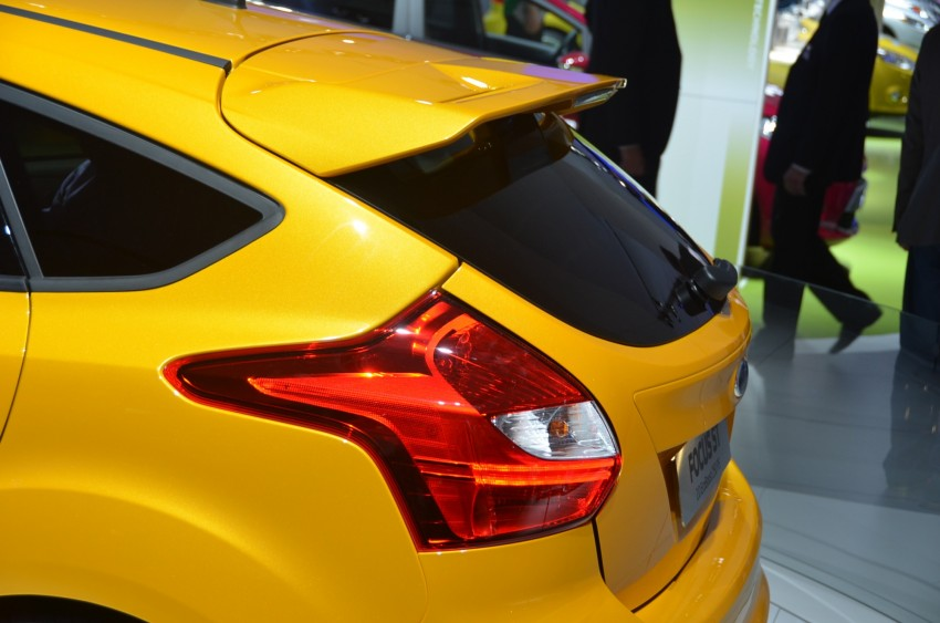 Frankfurt: Ford reveals the 2012 Focus ST and ST-R Image #69394