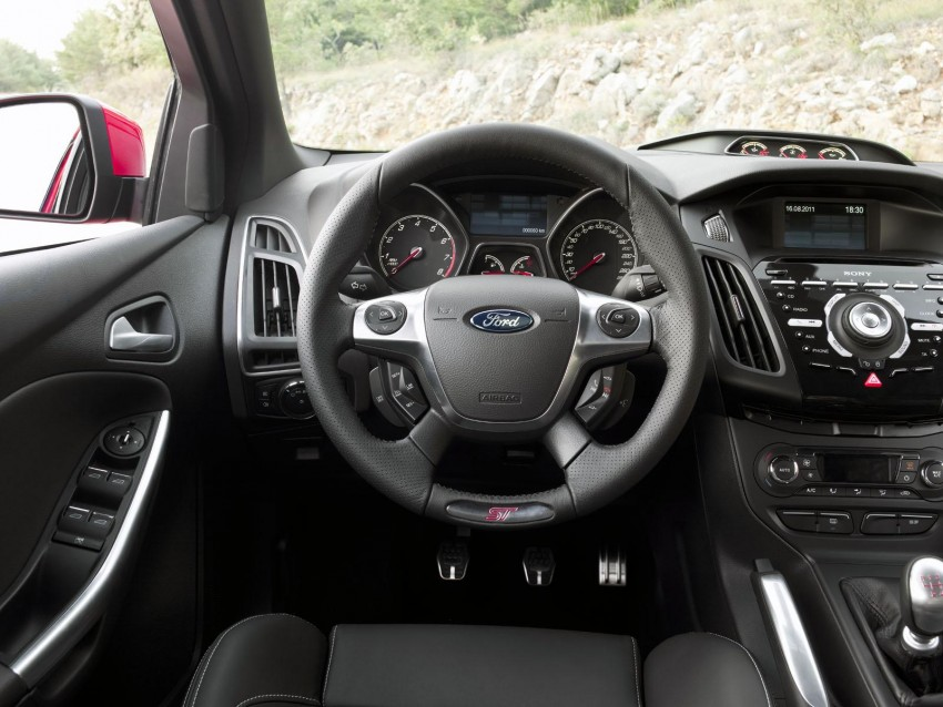 Frankfurt: Ford reveals the 2012 Focus ST and ST-R Image #68490