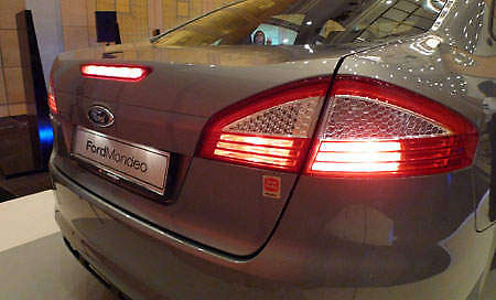 ford-mondeo-rear