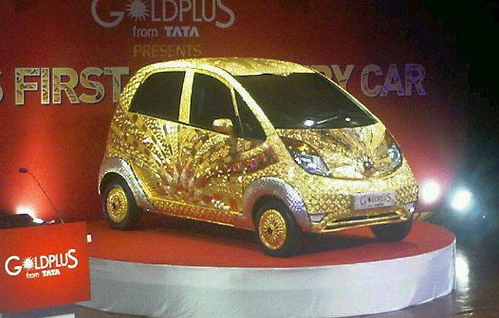 Tata GoldPlus Nano finally debuts – clad in 80 kg of gold, 15 kg of silver and 10,000 semi-precious gems Image #69891