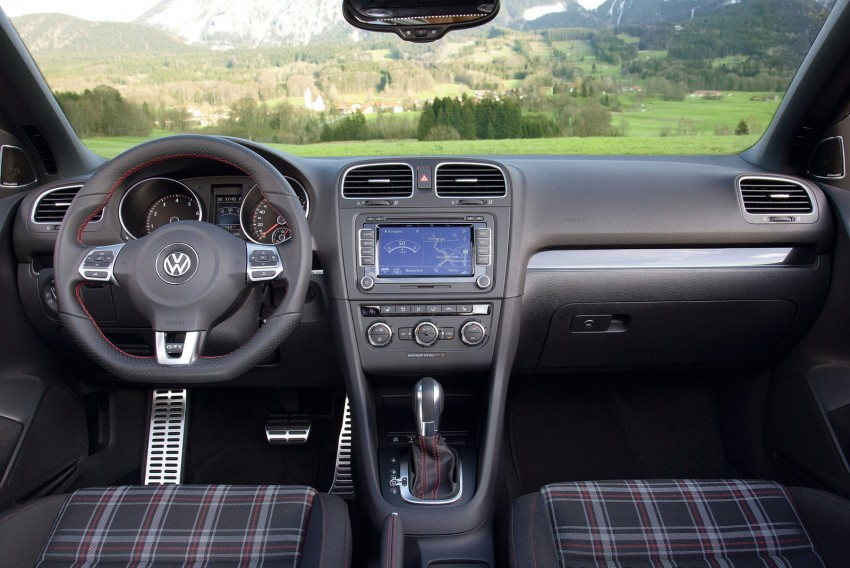 Volkswagen Golf GTI Cabriolet – soft top GTI Image #109134