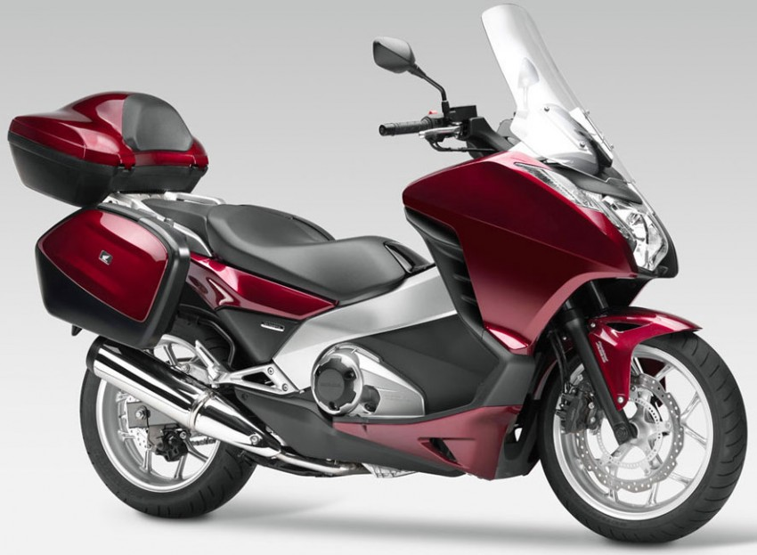 2012 Honda Integra to come with 700cc engine and twin clutch gearbox – yes, it's a bike not a car! Image #74074