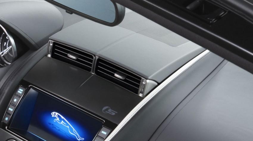 Jaguar F-Type debuts at Paris 2012: V6, V6 S and V8 S Image #133713