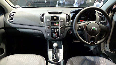 kia-forte-launch-interior