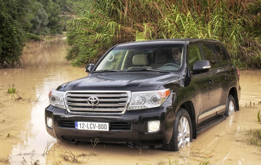 2012 Toyota Land Cruiser unveiled at Brussels Motor Show Image #84104