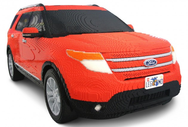 ford explorer made from lego all 382 858 bricks of it. Black Bedroom Furniture Sets. Home Design Ideas