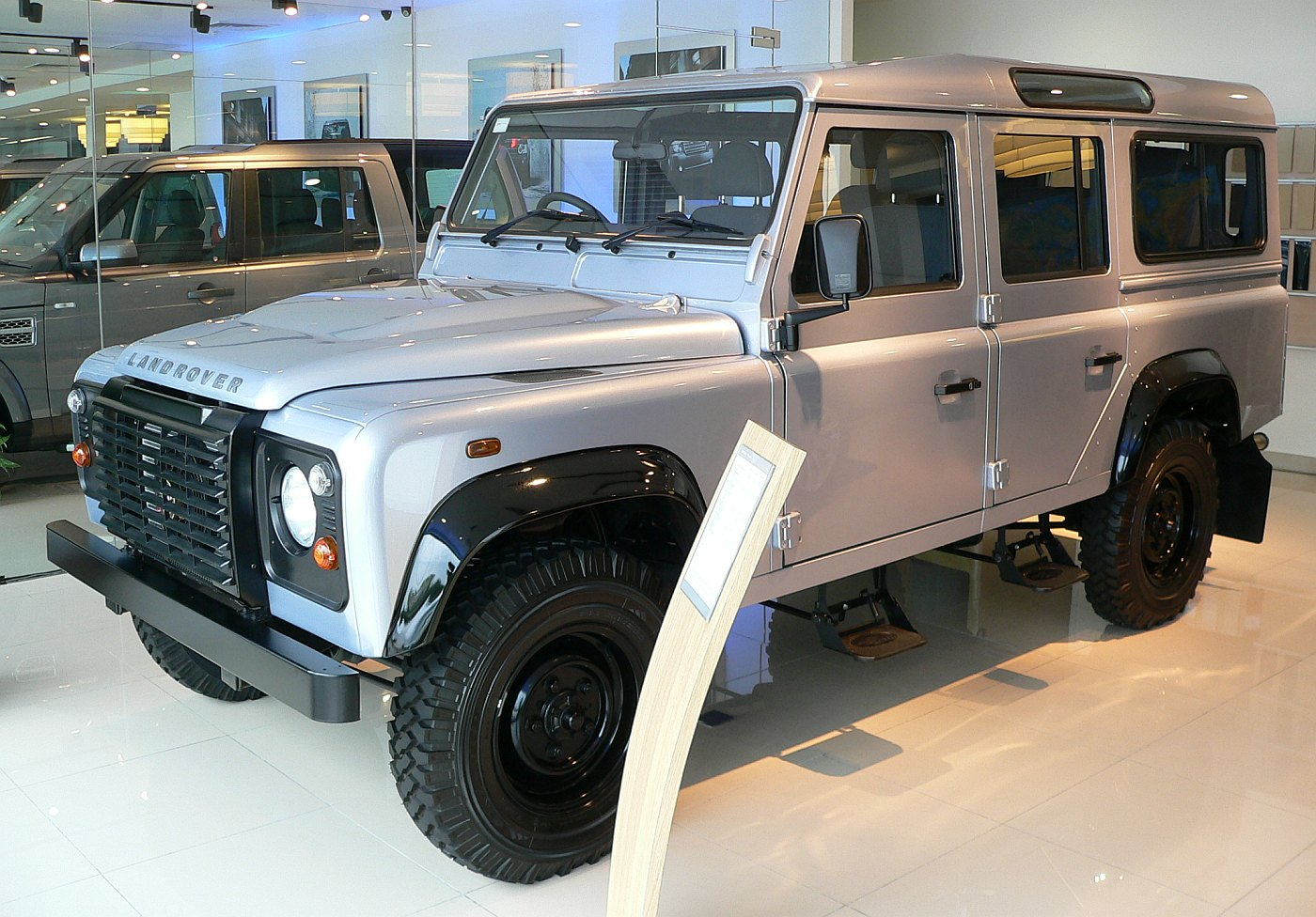 New Land Rover >> Land Rover Malaysia opens new flagship 3S centre in PJ ...