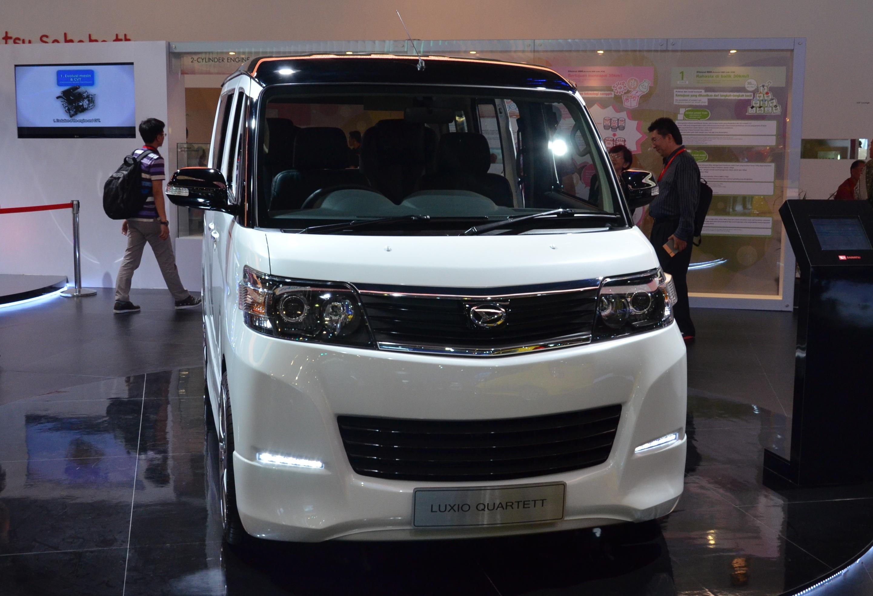 Harga Jual Daihatsu Luxio Models By Year Rent Car Wiring Diagram Quartett Ample Space For Four Paul Tan