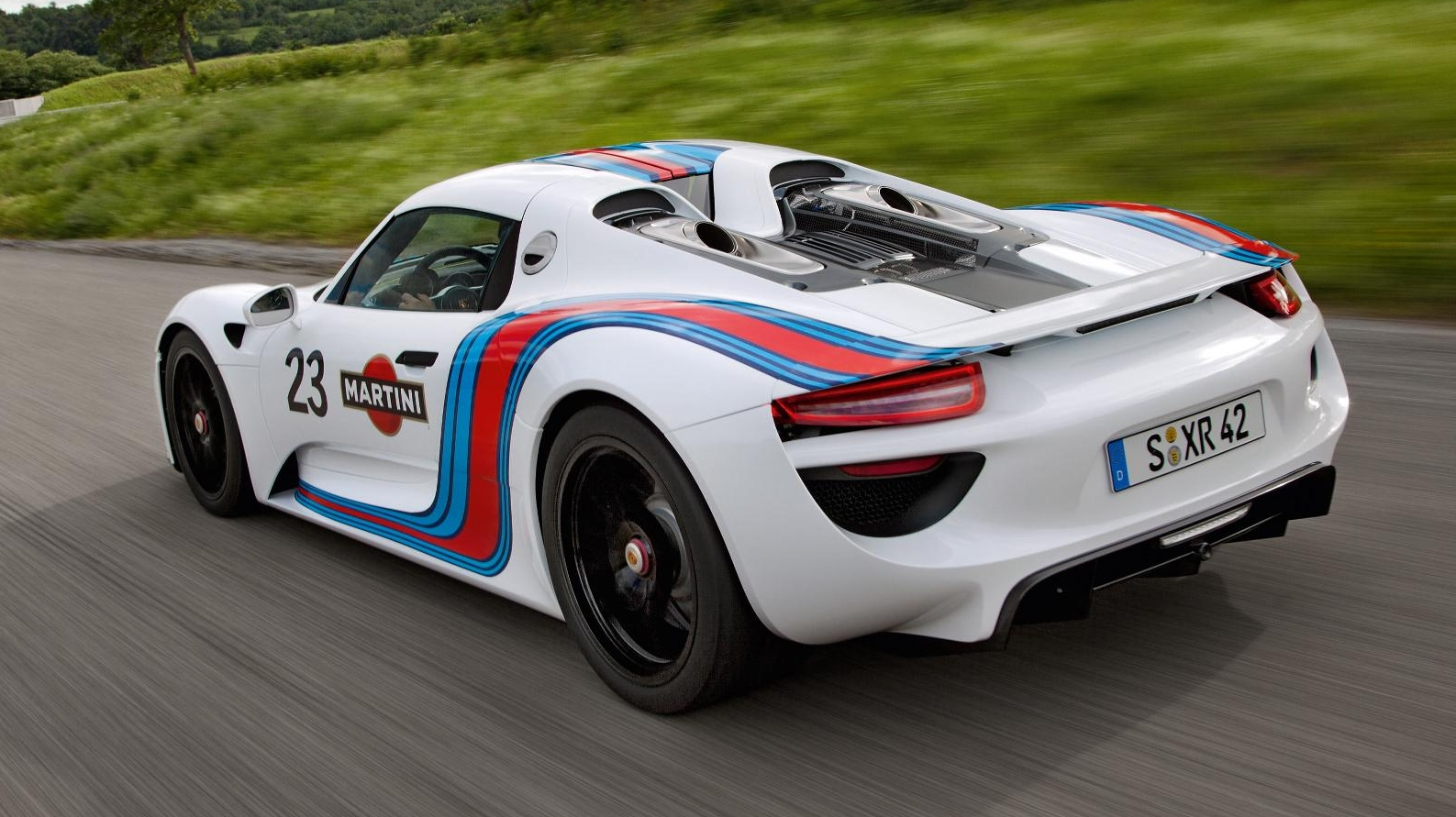 porsche 918 spyder now dressed in martini livery image 122979. Black Bedroom Furniture Sets. Home Design Ideas