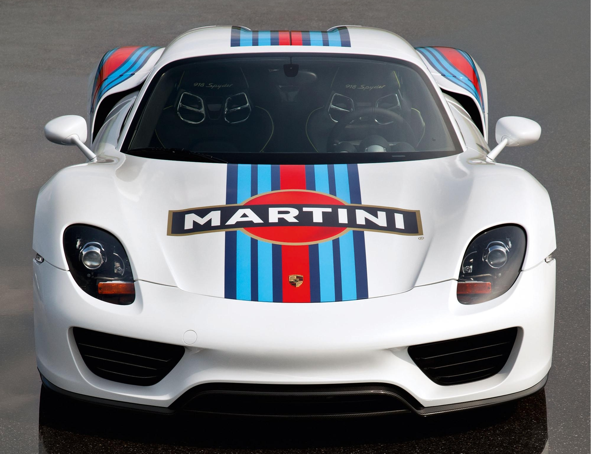 porsche 918 spyder now dressed in martini livery. Black Bedroom Furniture Sets. Home Design Ideas