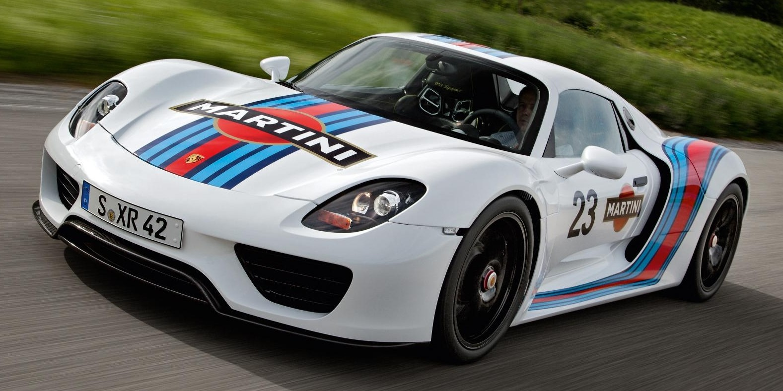 back to story porsche 918 spyder now dressed in martini livery. Black Bedroom Furniture Sets. Home Design Ideas