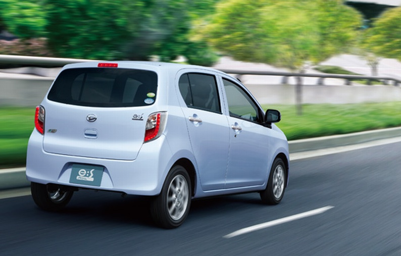 Daihatsu Mira e:S launched in Japan – 30km/l on this one Image #70038
