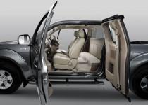 navara-king-cab-doors