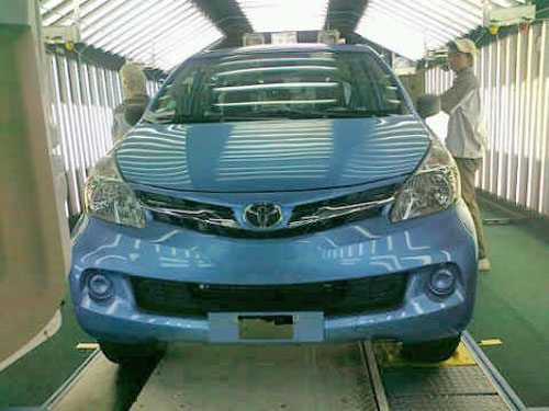 SPIED: Hello, are you the new Toyota Avanza? Image #70477