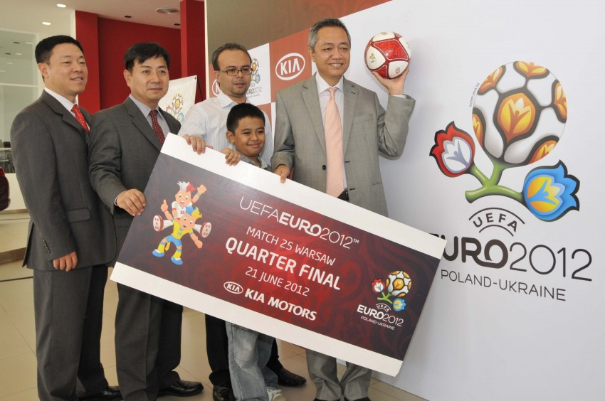 16 heading off to EURO 2012, courtesy of Naza Kia Image #110615