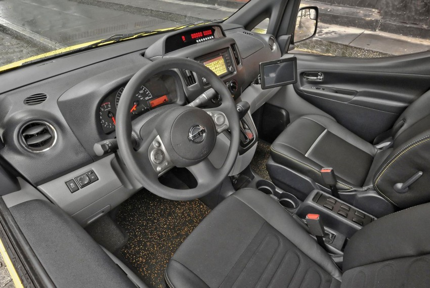 Nissan NV200 Taxi – New York City's Taxi of Tomorrow Image #100591