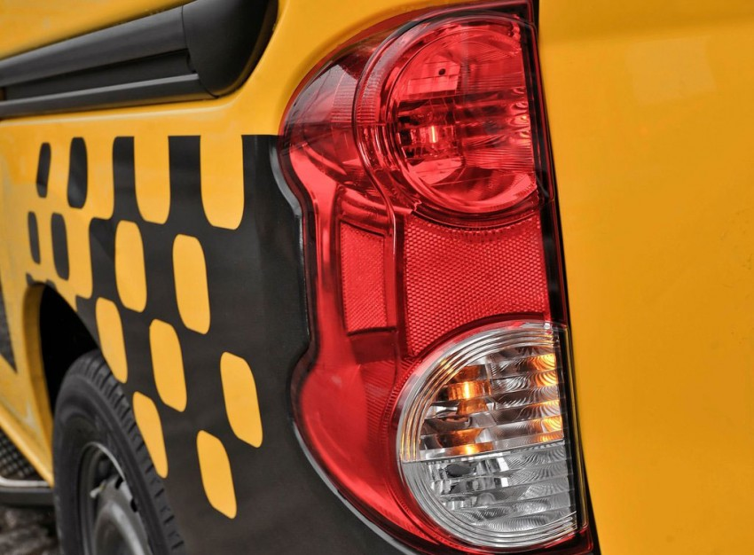 Nissan NV200 Taxi – New York City's Taxi of Tomorrow Image #100597