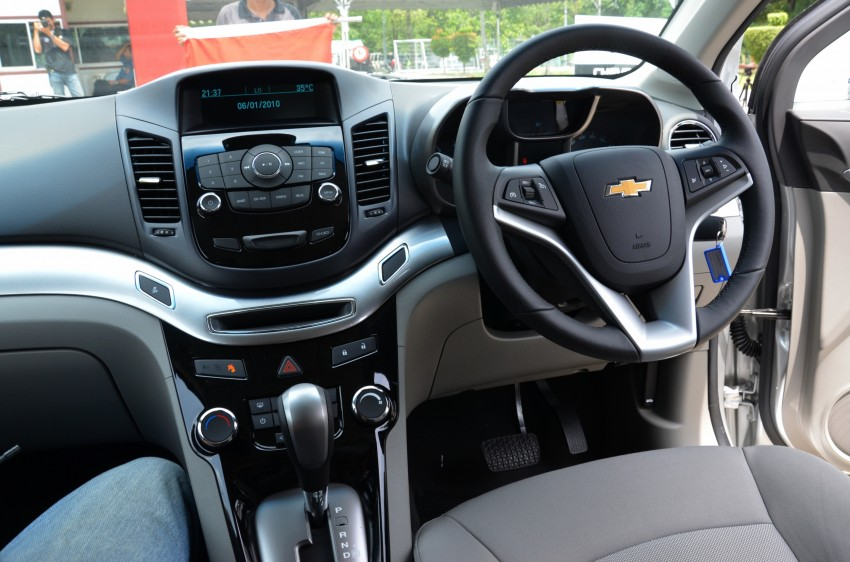 DRIVEN: Chevrolet Sonic LTZ sedan and hatchback previewed – Orlando MPV also given a short spin Image #140223