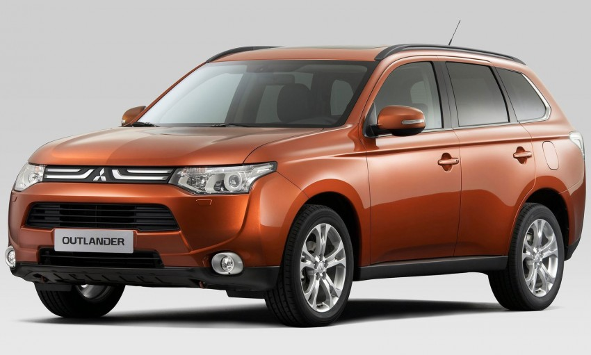 Mitsubishi to show Outlander Plug-in Hybrid EV at Paris – first 4WD electric car in production Image #113510