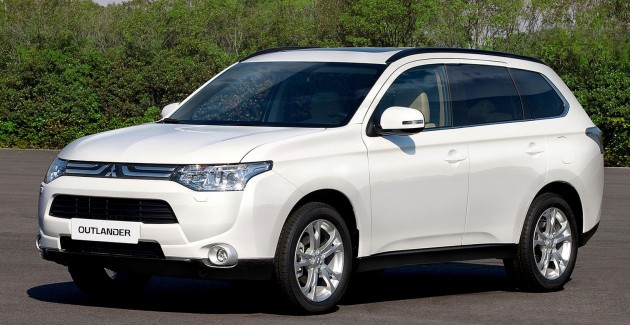 Europe Mitsubishi To Show Outlander Plug In Hybrid Ev At Paris First 4wd Electric Car Production