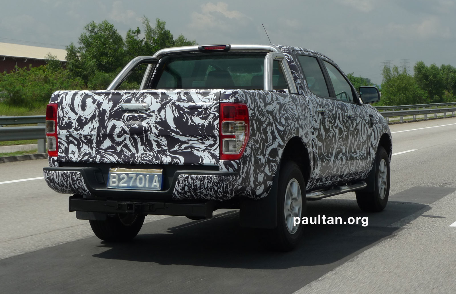 new ford ranger in camouflage spotted it 39 s coming soon. Black Bedroom Furniture Sets. Home Design Ideas