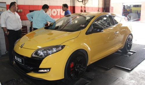 Stock Renault Megane RS 250 Cup makes almost 300hp! Image #121291