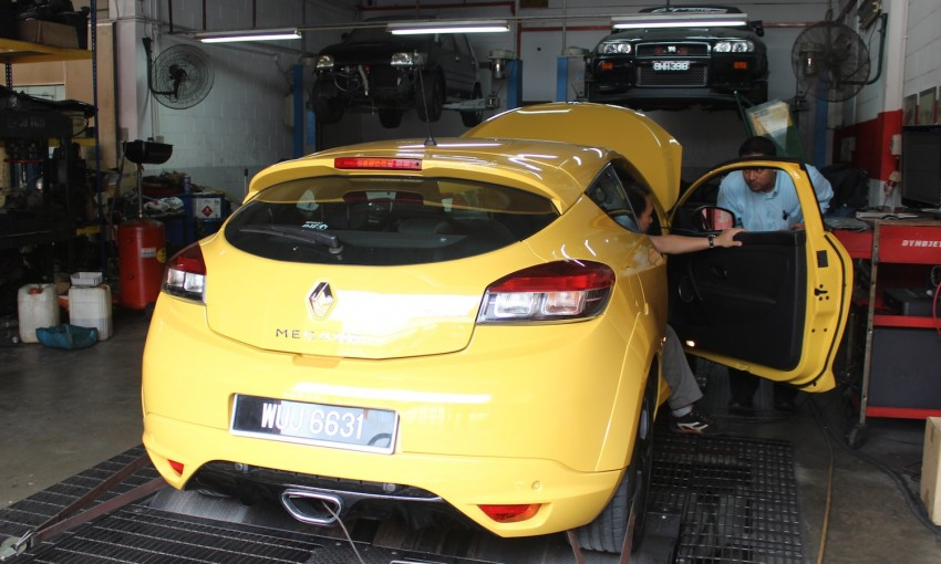 Stock Renault Megane RS 250 Cup makes almost 300hp! Image #74590