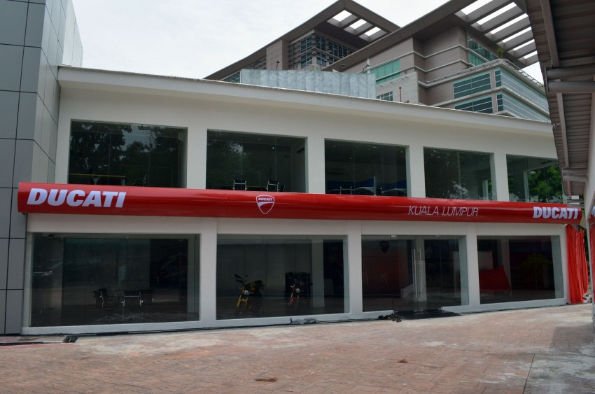 Naza opens largest Ducati Centre in Asia, launches the 1199 Panigale – 195 hp, 164 kg, from RM160,888 Image #101506