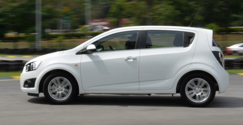 DRIVEN: Chevrolet Sonic LTZ sedan and hatchback previewed – Orlando MPV also given a short spin Image #140227