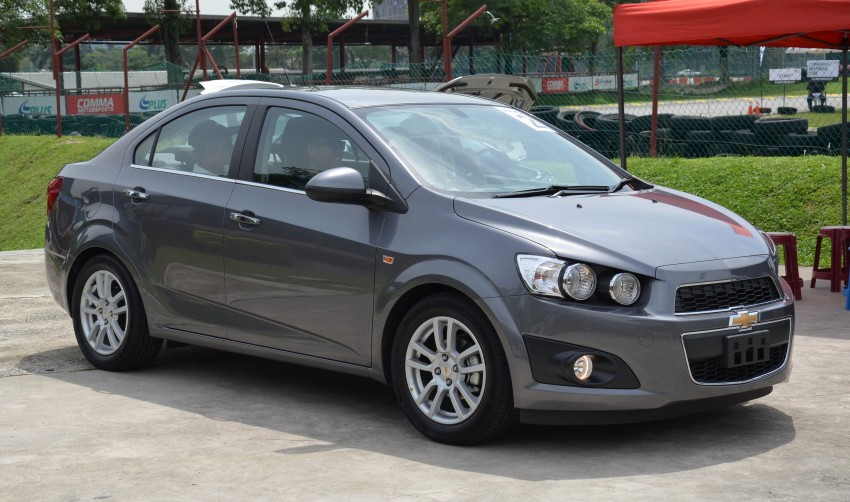 DRIVEN: Chevrolet Sonic LTZ sedan and hatchback previewed – Orlando MPV also given a short spin Image #140241