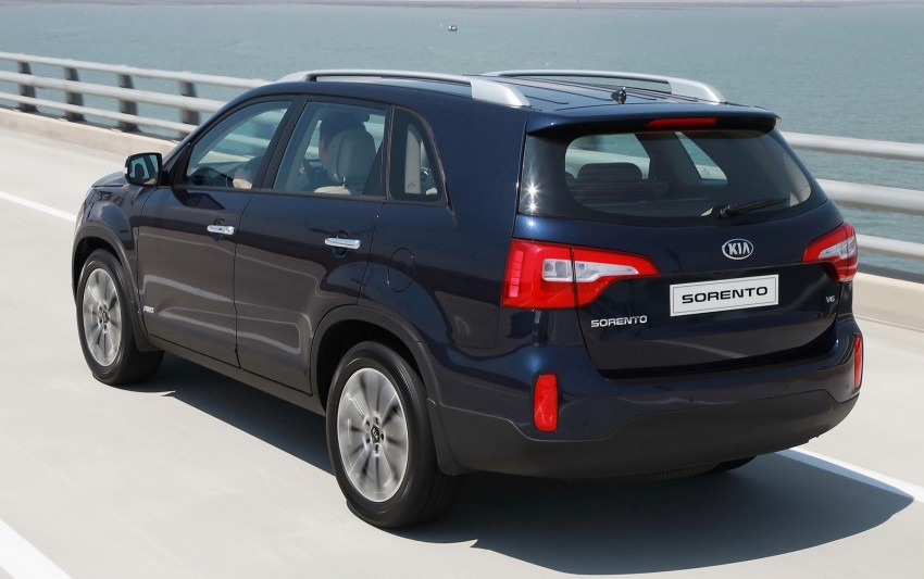 Facelifted Kia Sorento comes with 'completely new platform' – refreshed cabin seen for the first time Image #125626