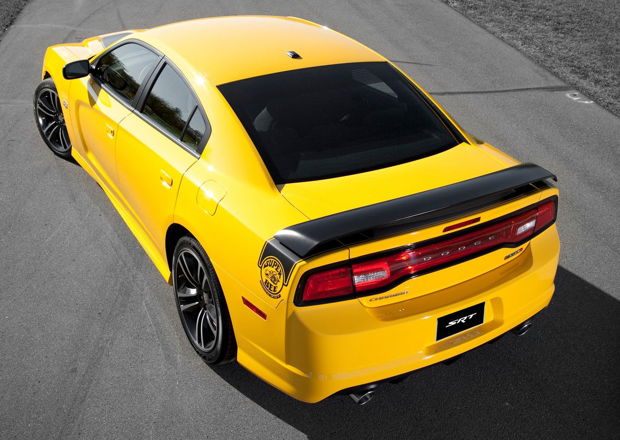 Dodge Charger Srt8 Super Bee Asks Bumble Bee Who Paul
