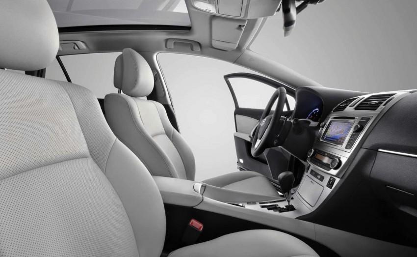 Frankfurt: Facelifted Toyota Avensis makes its debut Image #68675
