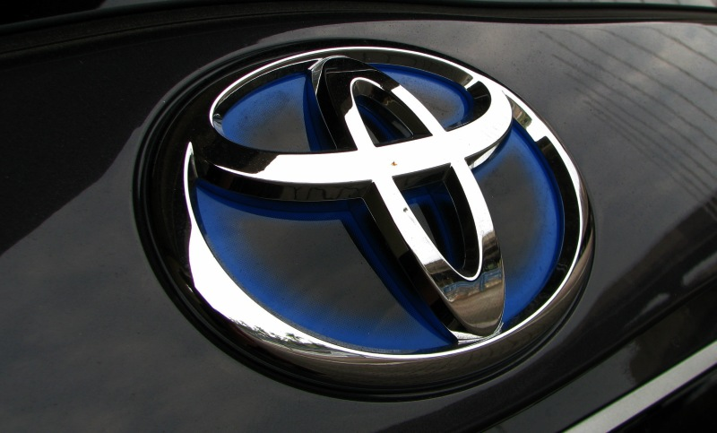 Toyota to regain No 1 spot in 2012, with 9.7 mil units Image #147134