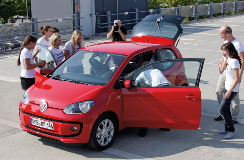 Volkswagen Up! – you can squeeze 16 people into one Image #73807