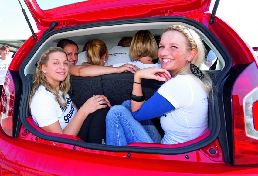Volkswagen Up! – you can squeeze 16 people into one Image #73808