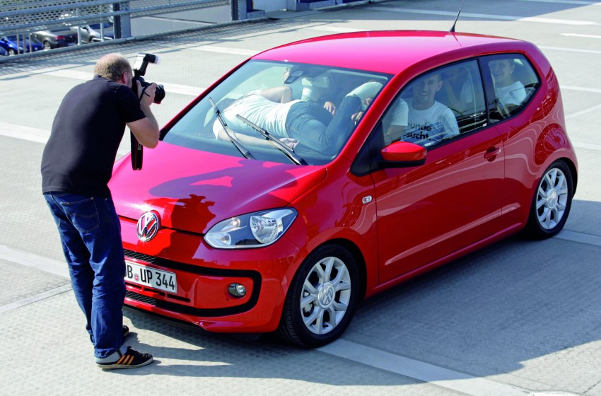 Volkswagen Up! – you can squeeze 16 people into one Image #73809