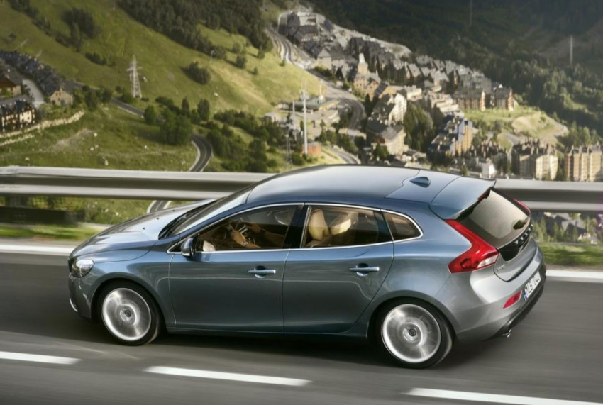 LEAKED: Volvo V40 video and hi res pics emerge online Image #90065