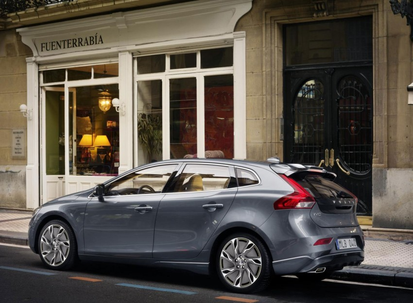 LEAKED: Volvo V40 video and hi res pics emerge online Image #90071
