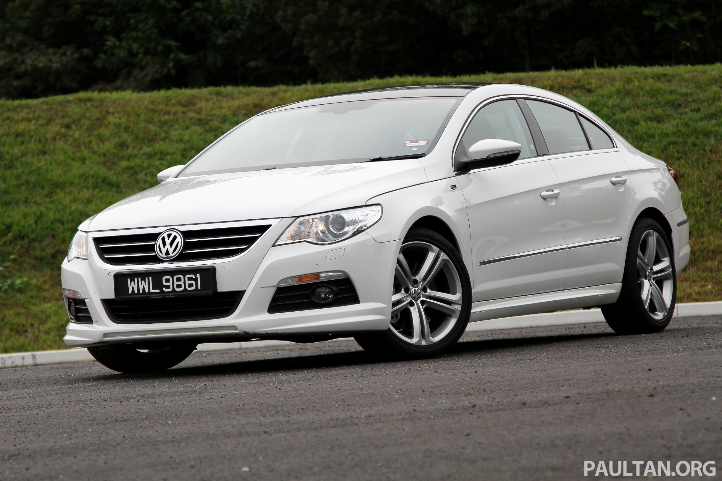 volkswagen passat cc r line 3 6l test drive review. Black Bedroom Furniture Sets. Home Design Ideas