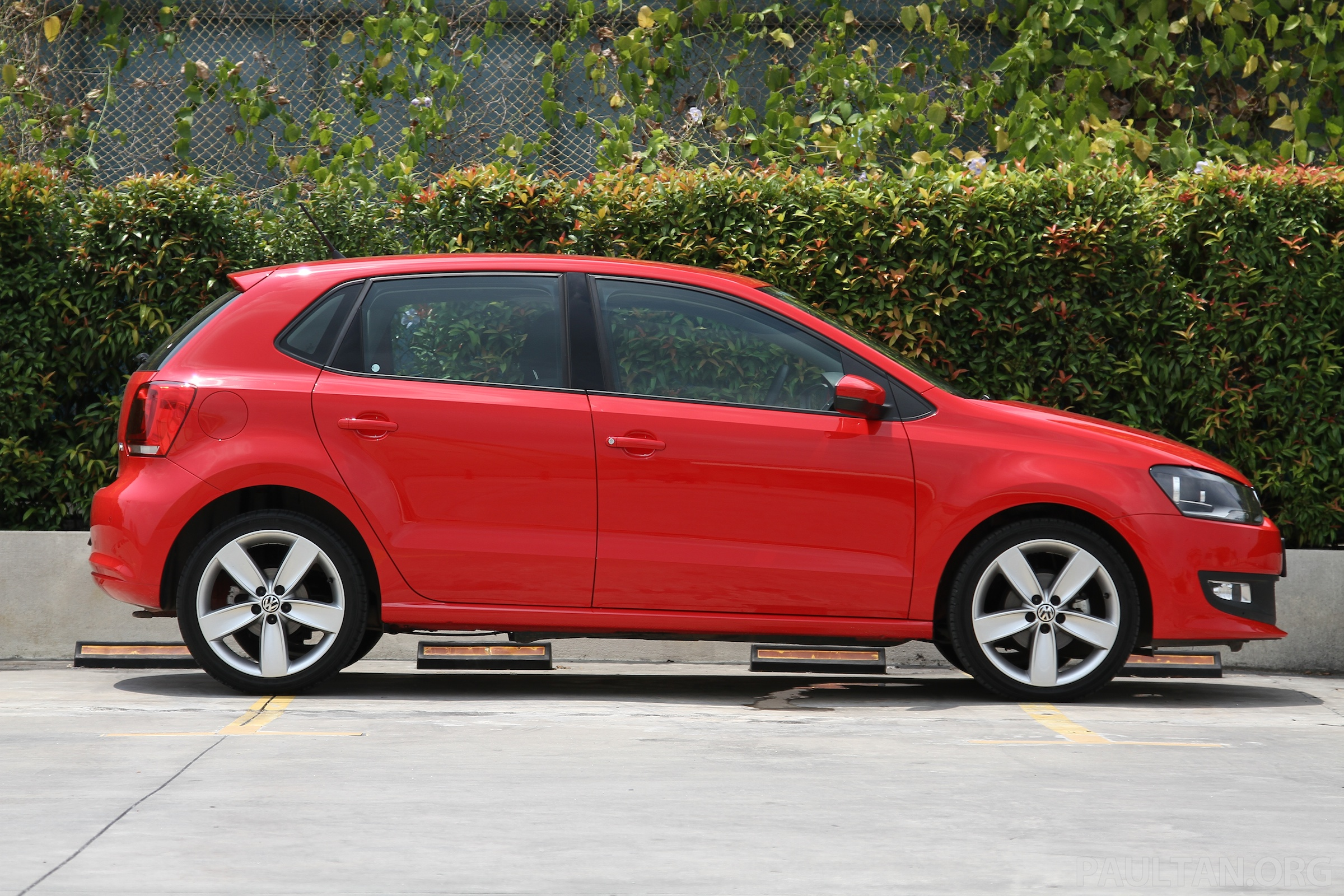 volkswagen polo 1 2 tsi review worth two myvis image 124292. Black Bedroom Furniture Sets. Home Design Ideas